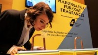 """""""Kürk Mantolu Madonna"""" için koku tasarlandı"""